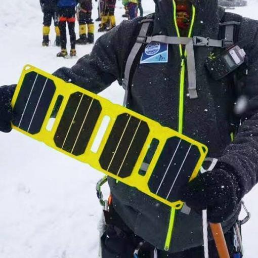 Chargeur solaire en montagne